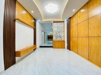 Bán nhà 3 tầng mặt tiền Chu Mạnh Trinh, Phường 8, Vũng Tàu. Giá bán : 8 tỷ 900 triệu