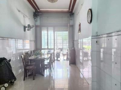 Nhà mặt tiền Nguyễn Sơn, Quận Tân Phú. Giá: 6.800.000.000 Vnđ.