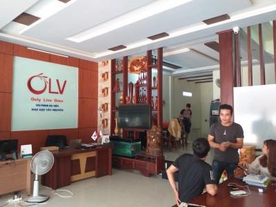 Nhà đẹp 292/38 Hùng Vương Đi hẻm 139 Ama Khê cũng được  góc hai mặt tiền quá đẹp cho 1 căn nhà ngay trung tâm thành phố