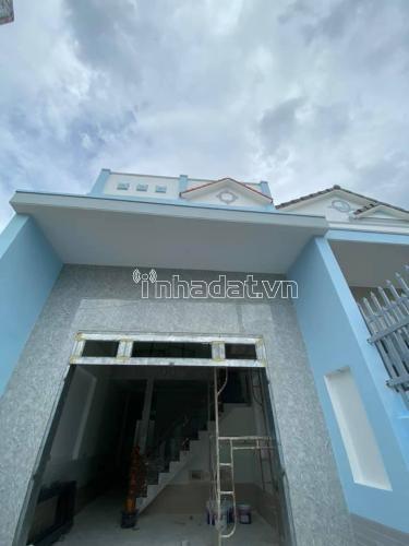 Bán nhà lầu mới xây ngay gần Quang Thắng đi vào, Kp3 Trảng Dài Biên Hoà. Giá yêu thương : 1 tỷ 199 triệu.