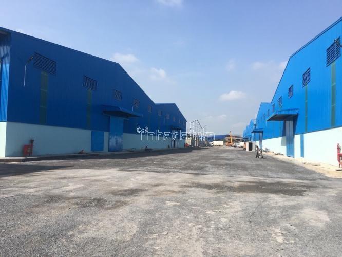 Bán kho xưởng xa lộ Hà Nội, Q9. Diện tích 7400 m2. Giá bán: 110 tỷ.