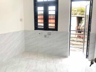 Bán gấp nhà hẻm Huỳnh Tấn Phát, Quận 7. Giá bán : 1,630 tỷ.