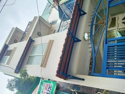 Nhà căn góc Tôn Đản Phường 15 Quận 4, 42m2, 3 tầng giá rẻ chỉ 3.5 tỷ.