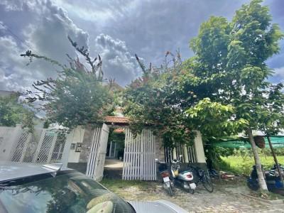 Biệt thự vườn 230m2 KDC Phú Xuân, Cảng Sài Gòn. Giá: 7,9 tỷ.