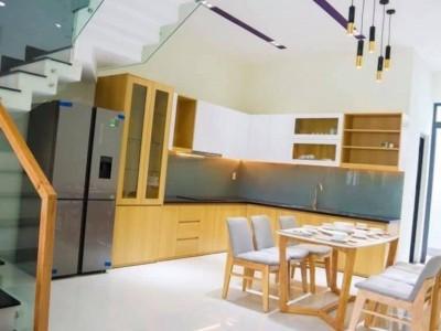 Nhà mới tinh mặt tiền đường trung tâm Bình Tân. Giá bán : 5.3 tỷ.