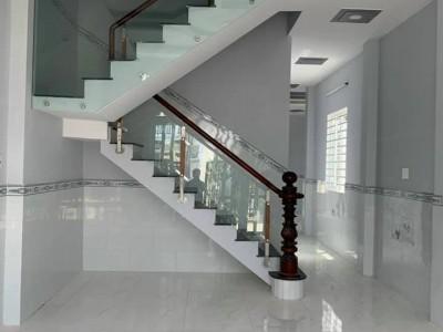 Nhà tuyệt đẹp thuộc Khu Phố Kim Điền, Thị Trấn Cần Giuộc, Long An. Giá : 1 tỷ 8.