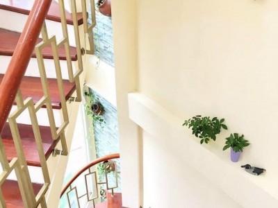 Bán nhà trong ngõ 80 Trần Duy Hưng, Cầu Giấy, Hà Nội. Giá bán : 6.68 tỷ đồng.