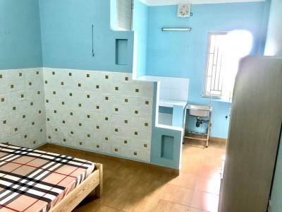 Cho thuê phòng trọ Nguyễn Văn Linh, Phường Bình Thuận, Quận 7. Giá : Từ 3 triệu đến 3,2 triệu.