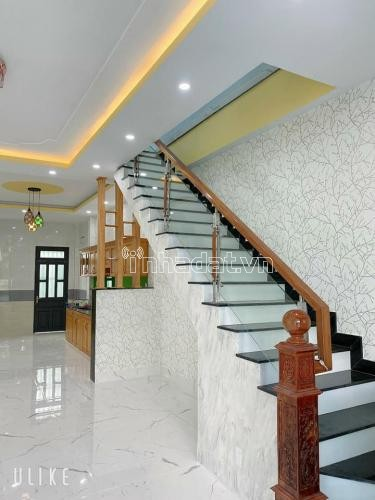 Bán nhà lầu KP3, Phường Trảng Dài, Biên Hòa, Đồng Nai. Giá : 1,790 triệu bớt lộc.
