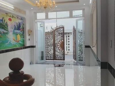 Nhà nằm mặt tiền đường Hoàng Phan Thái gần công viên Bình Chánh. Giá : 950 triệu.