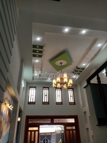 Cần bán chuyển chỗ ở. Vị Trí 144 đường số 6, Phường Bình Hưng Hòa B, Quận Bình Tân. Giá của em nó 4,8 tỷ thương lượng.