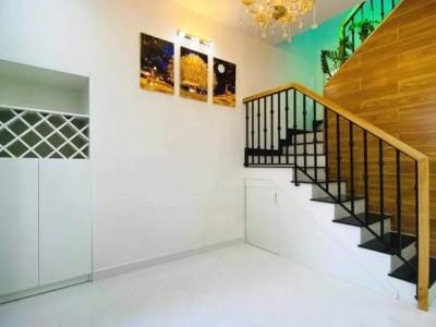 Bán nhà nhỏ siêu hiếm sát mặt tiền Cư Xá Đô Thành Phường 4 Quận 3 giá 2 tỷ 69